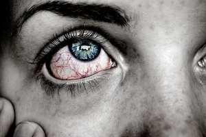 panuveitis eye pain