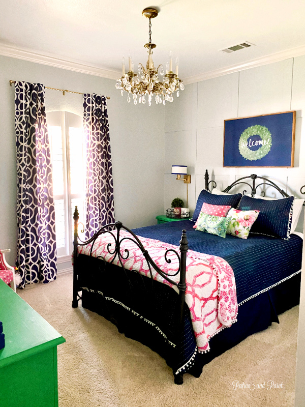 guest room, blue bed