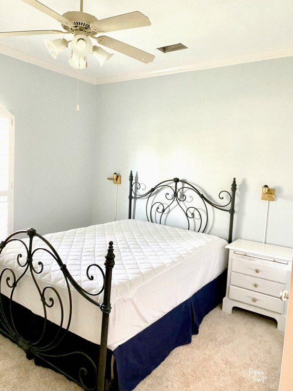 guest room, bed, gray walls
