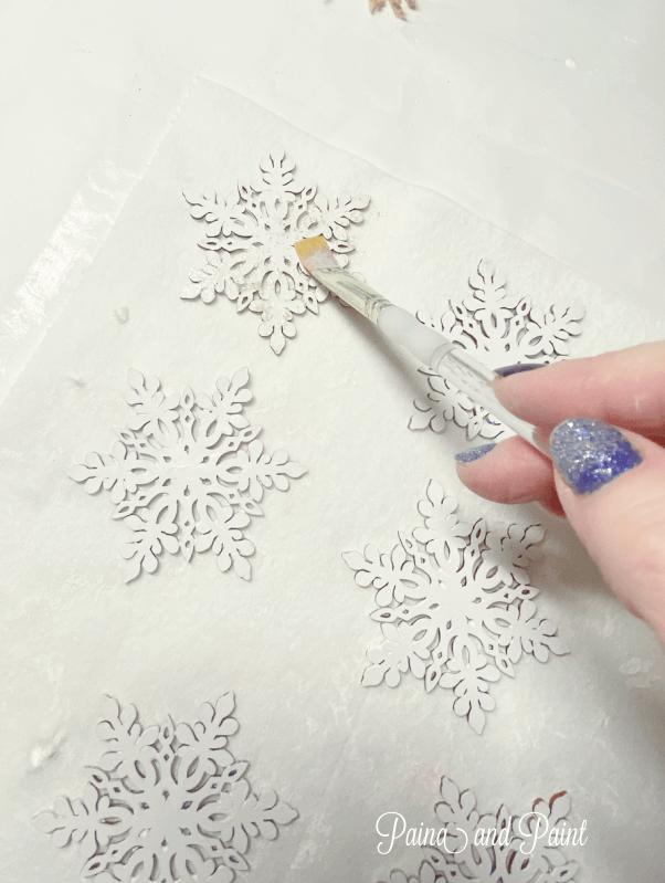 paintbrush, snowflakes