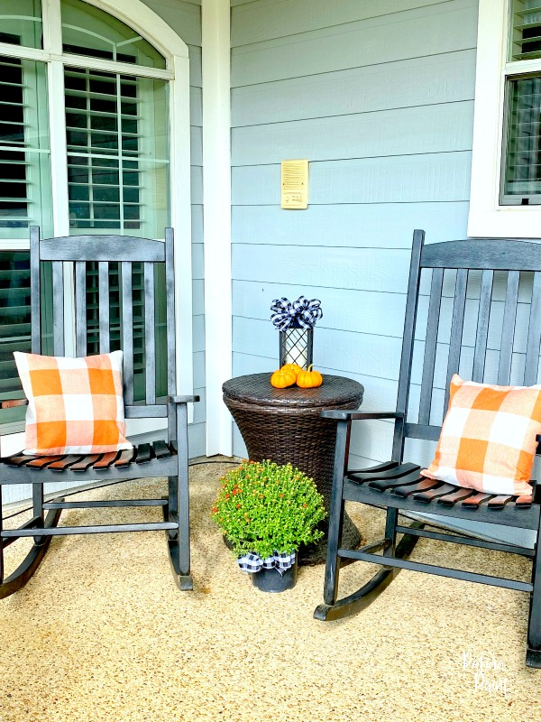 rocking chairs, fall pillows