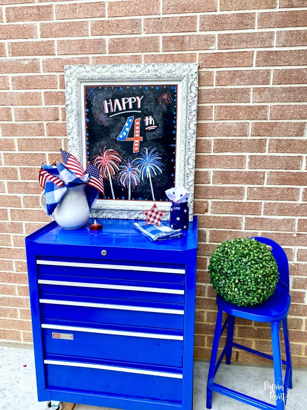 4th of July chalkboard, serving table