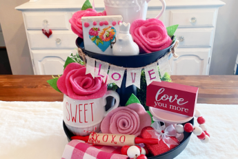 Two tiered Valentine's tray