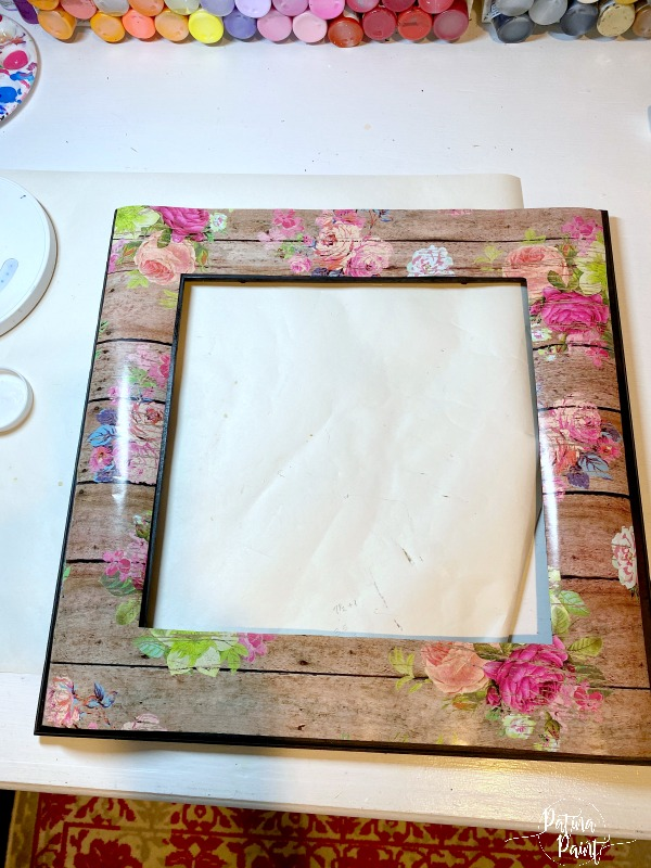 frame , wrapping paper