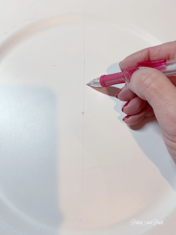 marking a charger plate