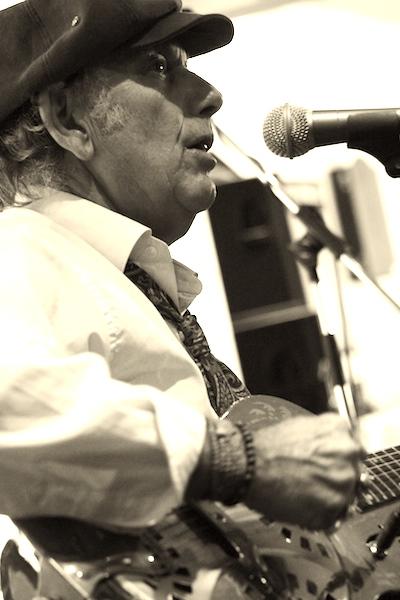 Delta Bluesman Ivan Zar