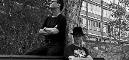 עודד ורפי, סופר ומוסיקאי היוצרים אלבום חדש המחוייב הקשבה. צילום: רוויטל דקל