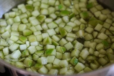מבשלים את התפוחים דקה אחת