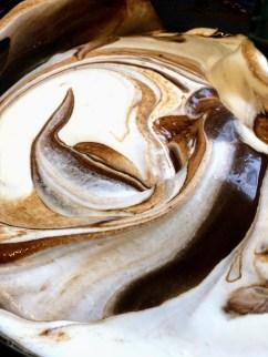 מקפלים את השוקולד והקצפת