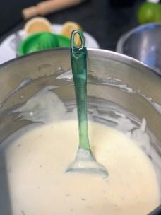 מכינית את תערובת הגבינות