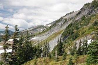 Mt Rainier SW Ridge & Clouds