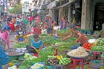 cantho street market vendors market