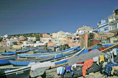 taghazoute boats and laundry