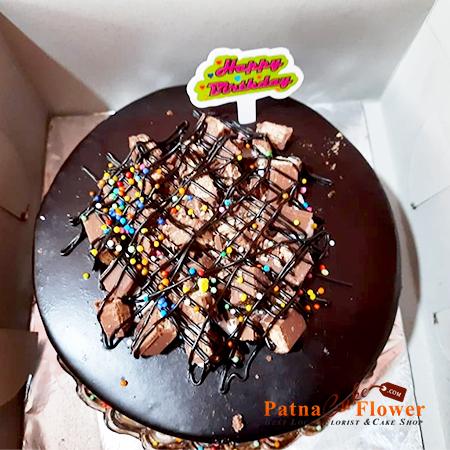 amusing kitkat chocolate cake patna