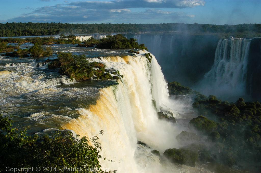 Les chutes d'Igazu, Brésil et Argentine