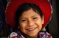 Jeune Tz'utujil fille à Santiago de Atitlan, Guatemala