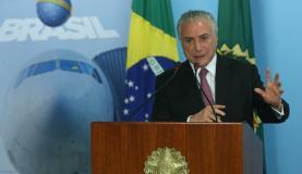 Brasília - Presidente Michel Temer participa de cerimônia de assinatura de contratos de concessões dos aeroportos de Fortaleza, Porto Alegre, Salvador e Florianópolis (Antonio Cruz/Agência Brasil)