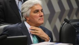 Brasília - Senador Delcídio do Amaral participa de reunião do Conselho de Ética do Senado (Fabio Rodrigues Pozzebom/Agência Brasil)