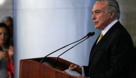 Brasília - Presidente Michel Temer fala durante reunião com representantes do setor da indústria e centrais sindicais (Beto Barata/PR)