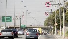 Pistas locais das marginais Pinheiros e Tietê tiveram sua velocidade reduzida para 50 km/h ( Marcelo Camargo/Agência Brasil)