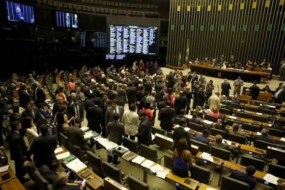 Brasília - Plenário da Câmara dos Deputados vota MP do Refis, que possibilita o parcelamento de dívidas (Wilson Dias/Agência Brasil)