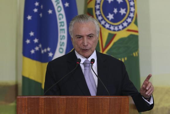 Brasília - O presidente Michel Temer discursa na cerimônia de lançamento do selo Agro Mais Integridade, no Palácio do Planalto (Valter Campanato/Agência Brasil)