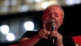 O ex-presidente Lula discursa em São Paulo após o resultado do julgamento em segunda instância. Foto Reuters/Leonardo Benassatto (Direitos Reservados).