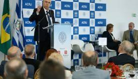 Rio de Janeiro - O ministro da Fazenda, Henrique Meirelles, fala durante Almoço com o Empresário, na Associação Comercial do Rio de Janeiro, no centro da capital fluminense (Tomaz Silva/Agência Brasil)