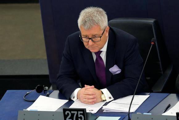 Ryszard Czarnecki não poderá mais exercer cargos de vice-presidente ou presidente do Parlamento Europeu