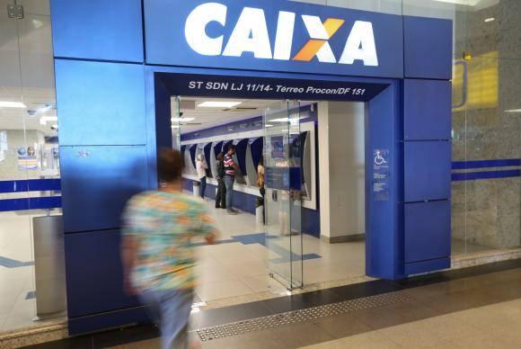 Brasília - Neste sábado, 37 agências da Caixa Econômica Federal do Distrito Federal e entorno estão abertas das 9h às 15h para atendimento exclusivo sobre contas inativas do FGTS (Fabio Rodrigues Pozzebom/Agência Brasil)