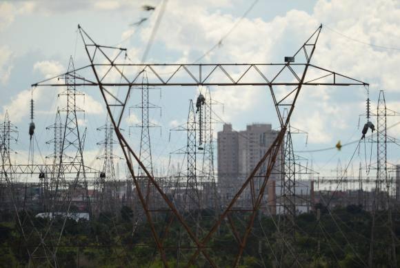 Linhas de transmissão de energia do sistema elétrico nacional