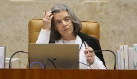 Brasília - A presidente do STF, Cármen Lúcia, durante sessão para julgar foro privilegiado para deputados e senadores (Antônio Cruz/Agência Brasil)