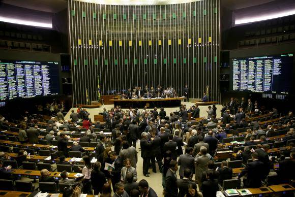 Brasília - Plenário da Câmara dos Deputados durante sessão para votação do decreto de intervenção federal na segurança pública do Rio de Janeiro (Wilson Dias/Agência Brasil)