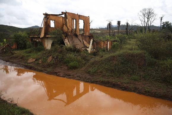Mariana (MG) - Ruínas em Bento Rodrigues, distrito de Mariana, dois anos após a tragédia do rompimento da Barragem de Fundão, da mineradora Samarco (José Cruz/Agência Brasil)
