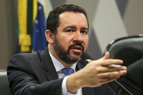 Brasília - O ministro interino do Planejamento, Orçamento e Gestão, Dyogo Oliveira, participa de audiência pública conjunta da CAE e CCJ do Senado (Marcelo Camargo/Agência Brasil)