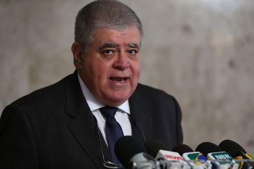 O ministro da Secretaria de Governo, Carlos Marun, fala à imprensa, no Palácio do Planalto