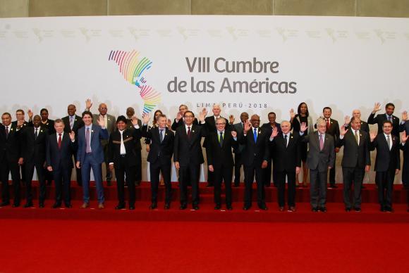 Lima - Presidente Michel Temer durante foto oficial dos Chefes de Estado e de Governo na 8 Cúpula das Américas, no Peru (Alan Santos/PR)