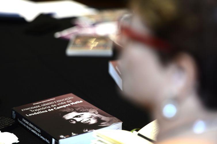 Rio de Janeiro - O 2º Diálogo Nacional sobre Violência Doméstica, organizado pelo Fundo Fale Sem Medo tem por objetivo reunir as representantes para amplo diálogo com especialistas no tema da violência doméstica e direitos das mulheres