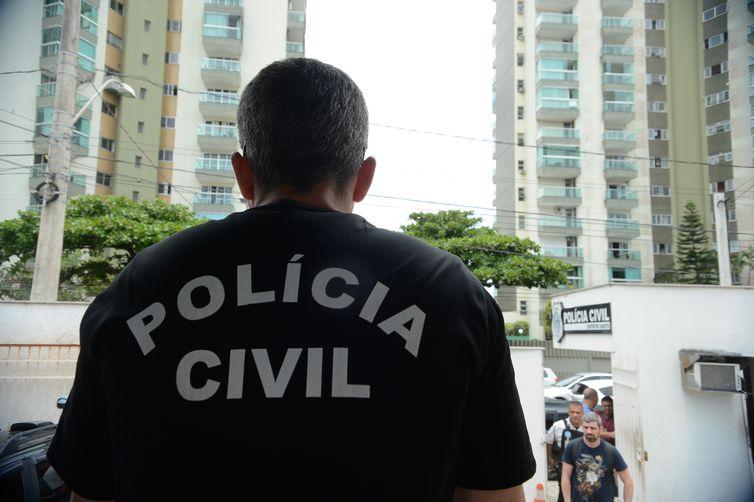 Vitória - Polícia Civil do Espírito Santo faz paralisação até a meia-noite de hoje após morte de investigador em Colatina,e por más condições de trabalho (Tânia Rêgo/Agência Brasil)