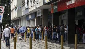Brasília - Prédios do centro de Brasília são esvaziados após tremor de terra (José Cruz/Agência Brasil)