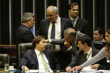 Presidente da Câmara, Rodrigo Maia, durante sessão plenária que aprovou a MP 812/17, que muda a forma de cálculo das taxas de juros dos empréstimos não rurais concedidos pelos fundos constitucionais do Norte, Nordeste e Centro-Oeste.