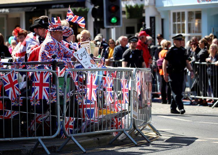 Casamento real atrai milhares de turistas para Windsor e outras cidades do Reino Unido