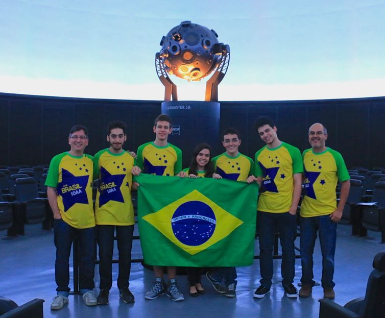 equipe brasileira astronomia