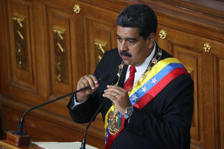 O presidente reeleito da Venezuela, Nicolás Maduro assumiu hoje e fez o juramento de posse