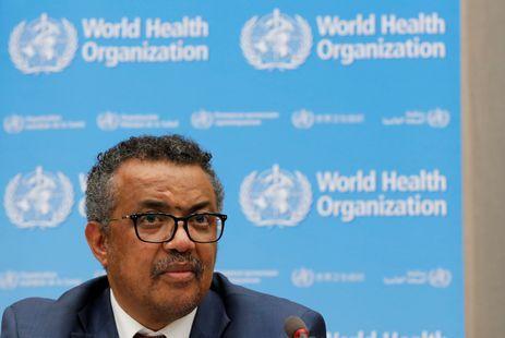 O diretor-geral da Organização Mundial de Saúde (OMS), Tedros Adhanom Ghebreyesus, fala a jornalistas sobre o surto de ebola no Congo em coletiva na sede da organização em Genebra, em 14 de maio de 2018. REUTERS/Denis Balibouse