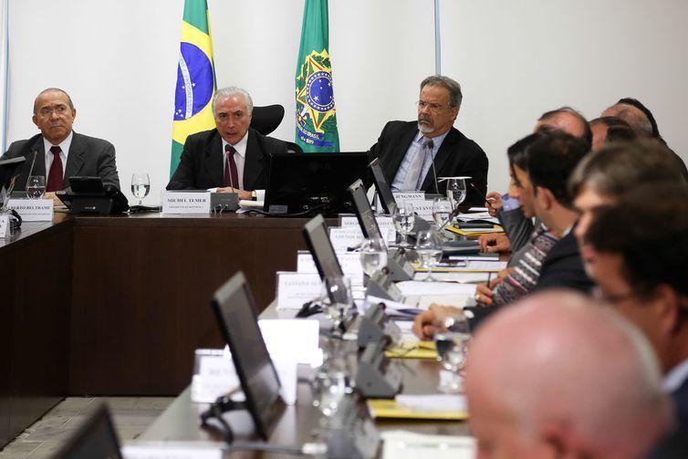 Presidente Temer comanda reunião do Comitê Federal de Assistência Emergencial
