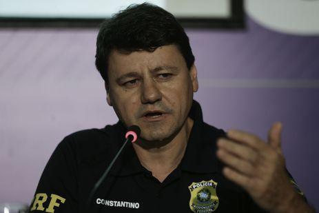 O representante da PRF, Célio Constantino da Costa, durante coletiva sobre a situação dos bloqueios nas estradas e das ações das Forças Armadas e da PRF.