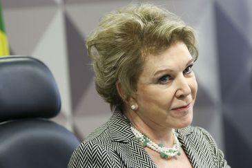 Brasília - A senadora Marta Suplicy durante votação do parecer do relator, senador Ricardo Ferraço, referente ao projeto da reforma trabalhista, na Comissão de Assuntos Sociais (Marcelo Camargo/Agência Brasil)