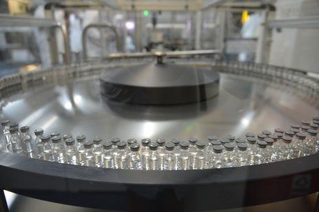 São Paulo - Inauguração da linha final de produção da vacina contra febre amarela na unidade Libbs Farmacêutica, uma empresa privada que fez acordo de transferência de tecnologia com o Instituto de Tecnologia em Imunobiológicos (Bio