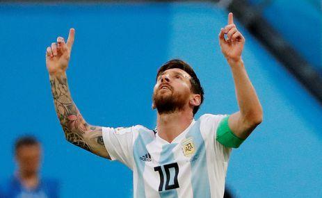Soccer Football - World Cup - Group D - Nigeria vs Argentina - Saint Petersburg Stadium, Saint Petersburg, Russia - June 26, 2018 Argentina's Lionel Messi celebrates scoring their first goal REUTERS/Jorge Silva